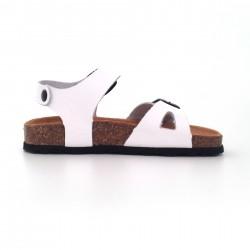 Sandalias de niño y de niña en piel blanca