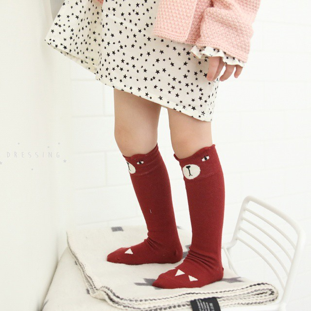 MINI-DRESSING-BEAR-SOCKS-RED