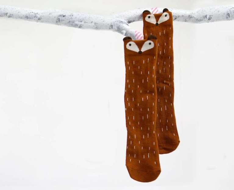 mini-dressing-raccoon-knee-socks-brown