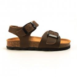 Sandalias de niño y de niña en piel marrón.