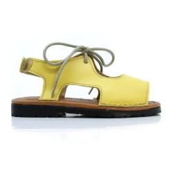 Sandalia piel  niño y niña amarillo.