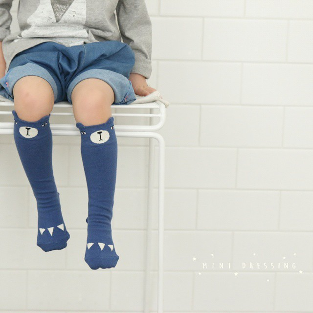MINI-DRESSING-BEAR-SOCKS-BLUE